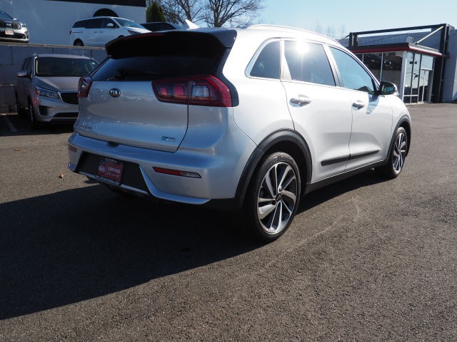 Certified Pre-Owned 2018 Kia Niro Touring
