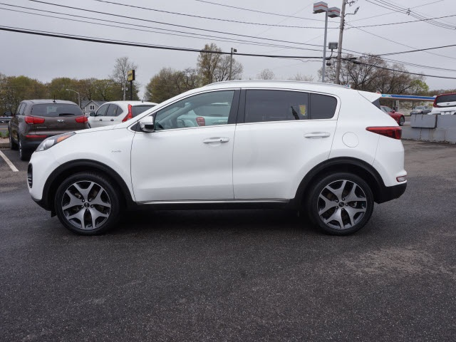 Certified Pre-Owned 2017 Kia Sportage SX